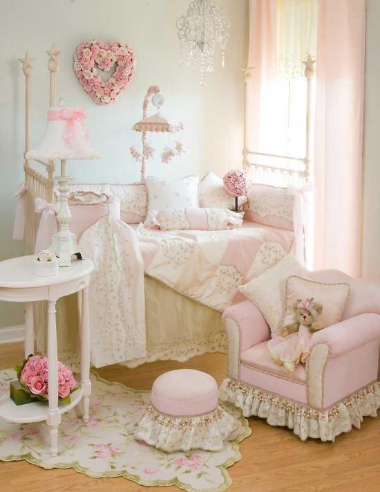 Moderno dormitorios: habitacion decorada color rosado para bebe