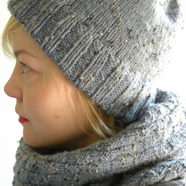 Just Skirts and Dresses: Grey knitted hat an basket weave cowl finished!