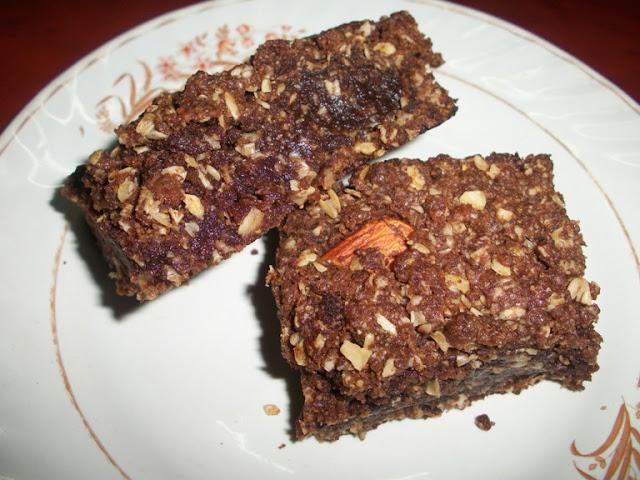Eggless Chewy Chocolate Oats bar