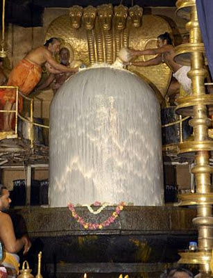 Huge Shiva Linga of Brihadeeswarar Temple