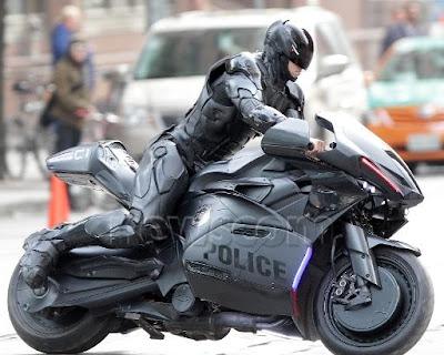 http://1.bp.blogspot.com/-yO5hQ5vr2Kg/UIC87NfitBI/AAAAAAAAAE4/_-1nRIIncqI/s1600/Robocop-Motorbike%2B%25284%2529.jpg