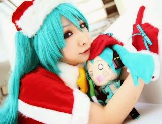 Vocaloid Hatsune Miku X-Mas Cosplay by Miiko