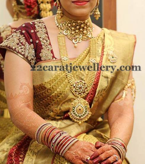 Bride in Tremendous Gold Sets