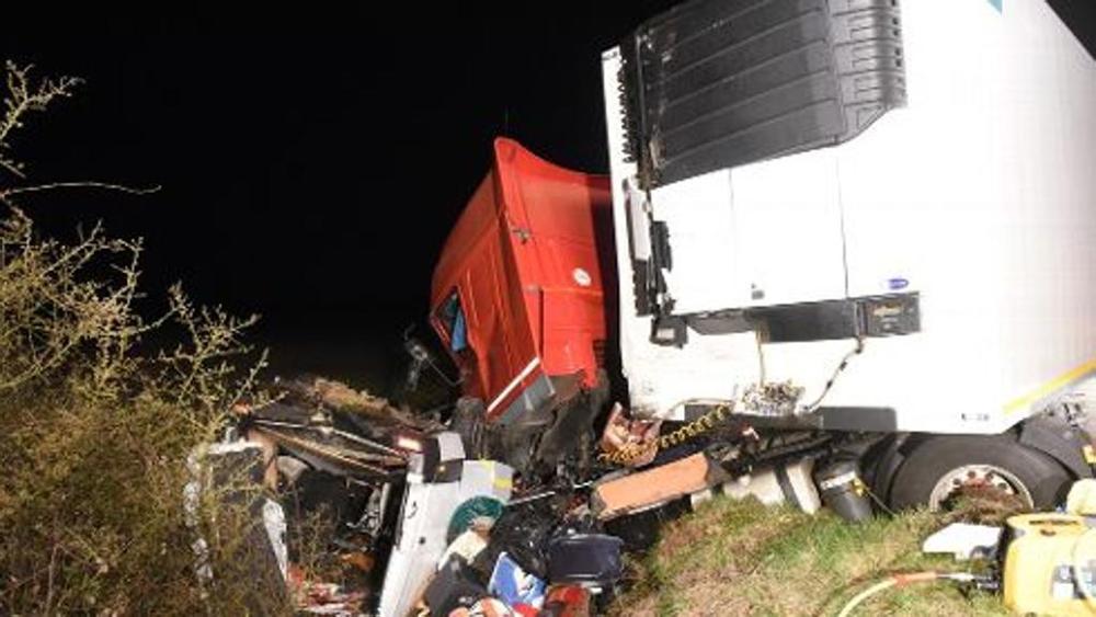 25.03.2016 - Francia: 12 morti in scontro tra bus e camion, feriti due italiani
