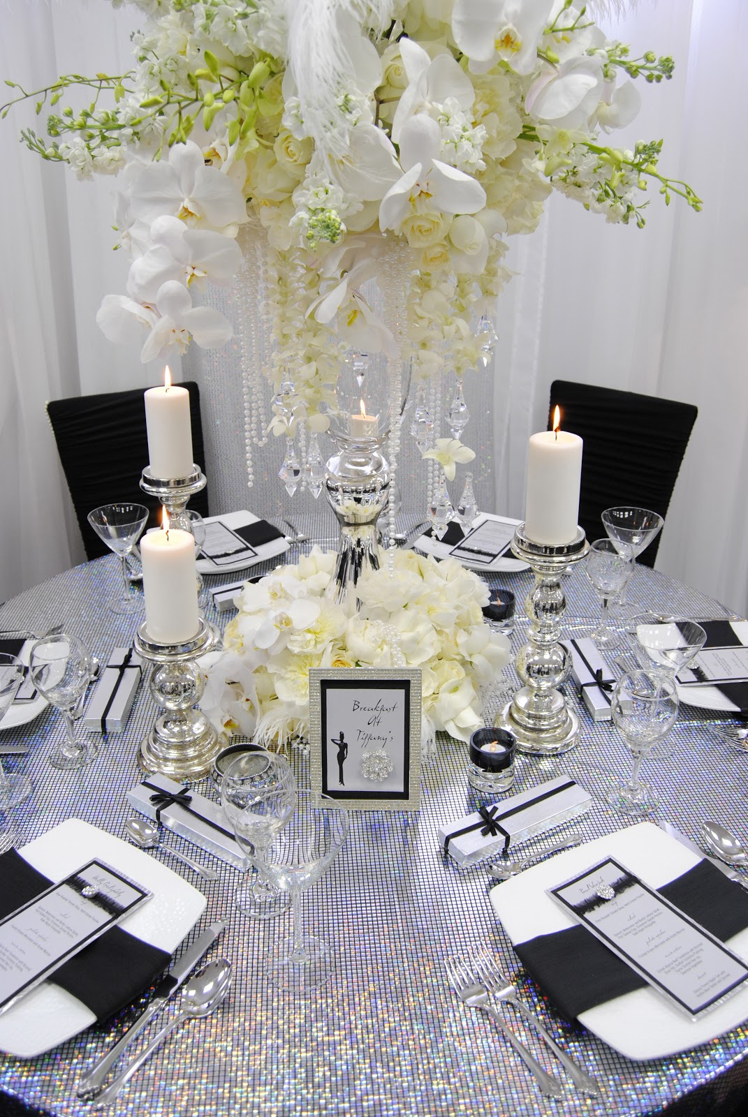The great gatsby table decorations viewing gallery