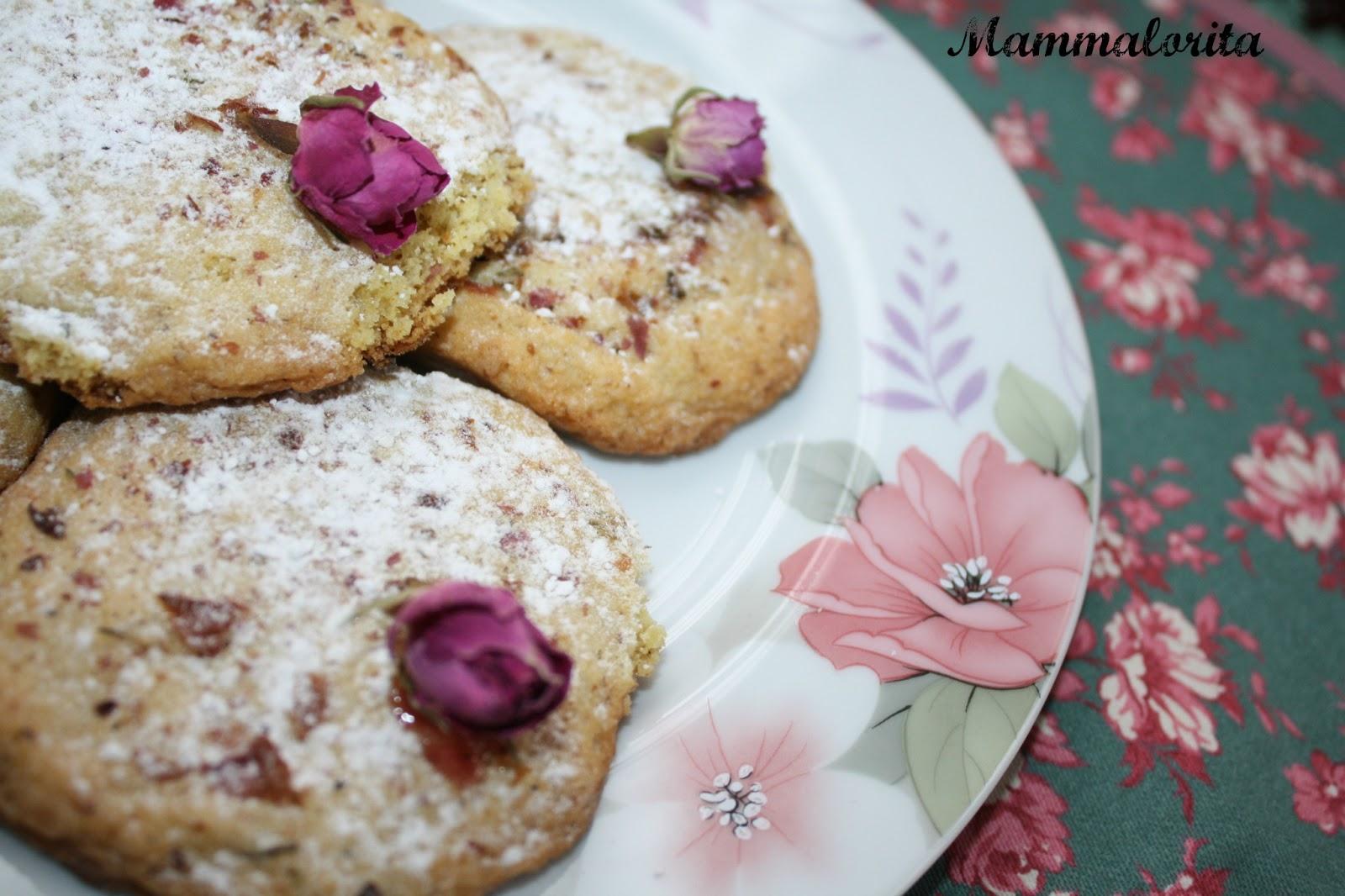 Mammalorita....: Biscotti ai boccioli di rosa e biscotti ...