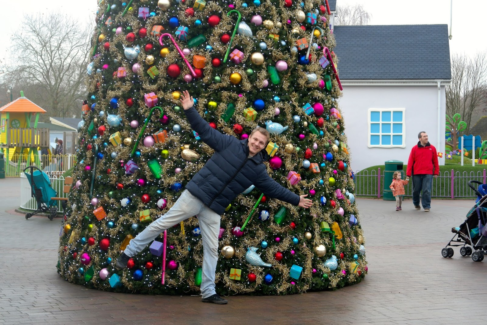 mic with the christmas tree in peppa pig world
