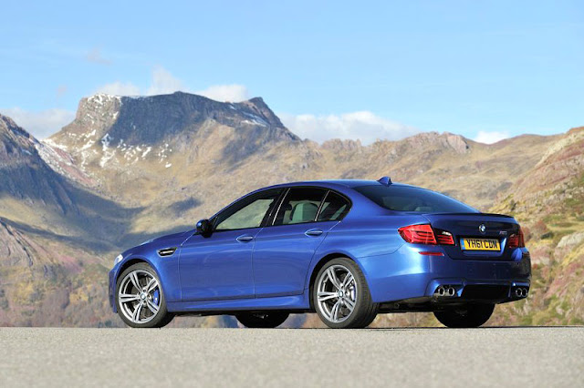 2012 BMW M5 Sedan Back Exterior Rear View