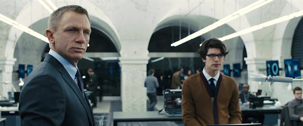 Screen Shot Of Hollywood Movie James Bond | Skyfall (2012) In Hindi English