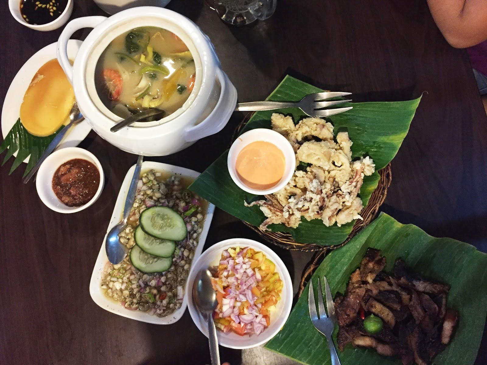 Filipino food feast at Dampa Sa Tarlac Seafood Restaurant