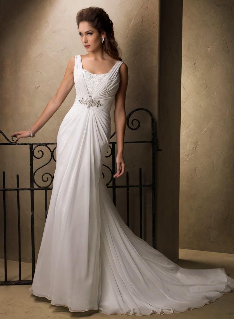 Elegantes fliessendes Chiffon Brautkleid mit Trägern und tiefen Rücken. Leichte Brautkleider.