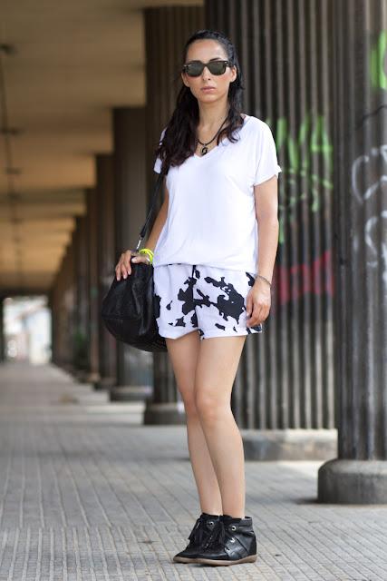 Look Sporty: Shorts Estamapado de Vaca