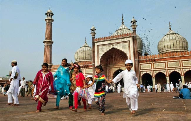 Hasil gambar untuk perayaan lebaran di india
