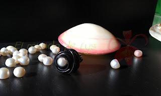Anillo aluminio negro y perla cultivada