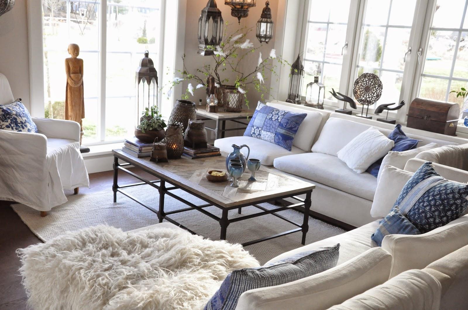 Den vita drömgården: påskledigt! pyntar med fjädrar och blåvita ...