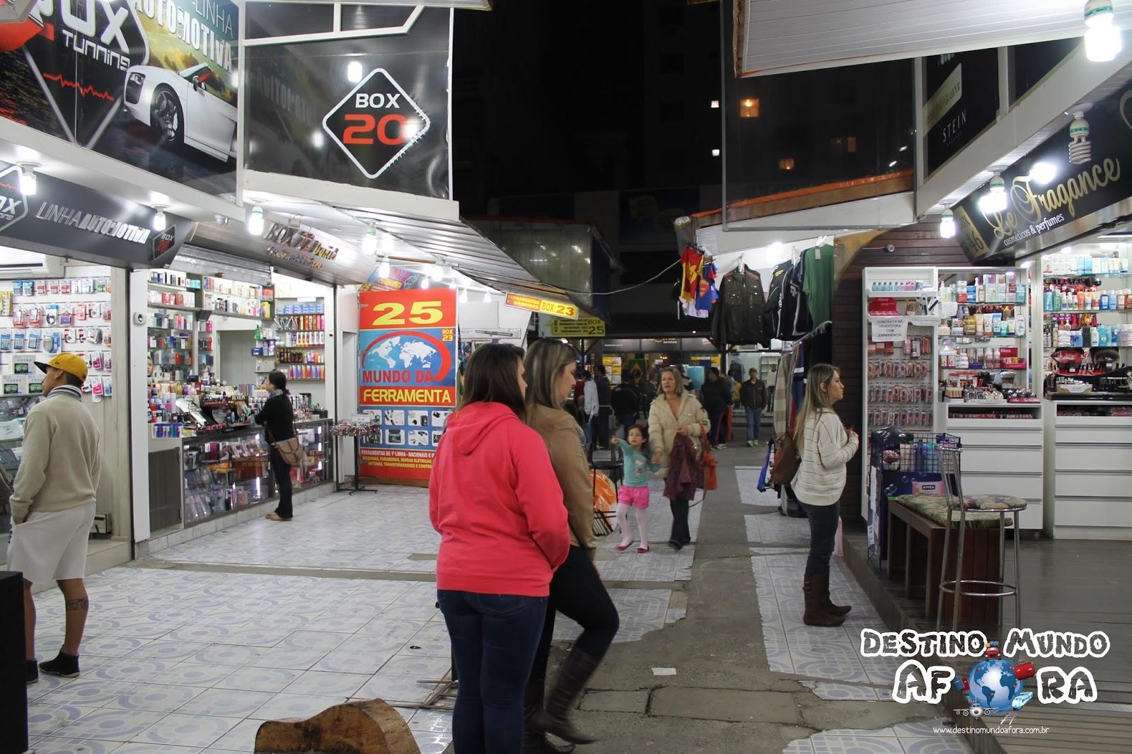 Imagens de #A22932 Destino Mundo Afora: Camelódromo de Balneário Camboriú: diversidade  1600x1066 px 3172 Box Banheiro Acrilico Balneario Camboriu