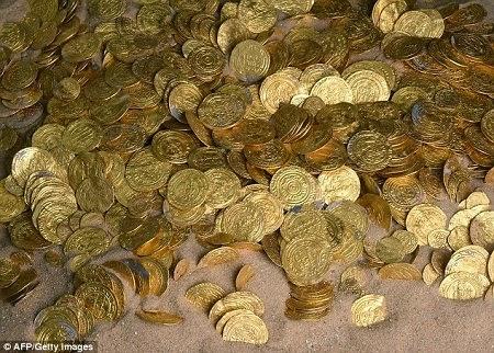 Tìm thấy 2.000 đồng tiền vàng 1.000 năm tuổi