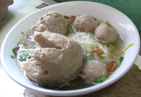 chicken bakso baso indonesian timorese meatballs chicken satay chicken ...