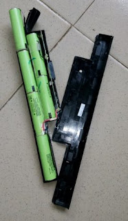 dismantled-old-laptop-battery