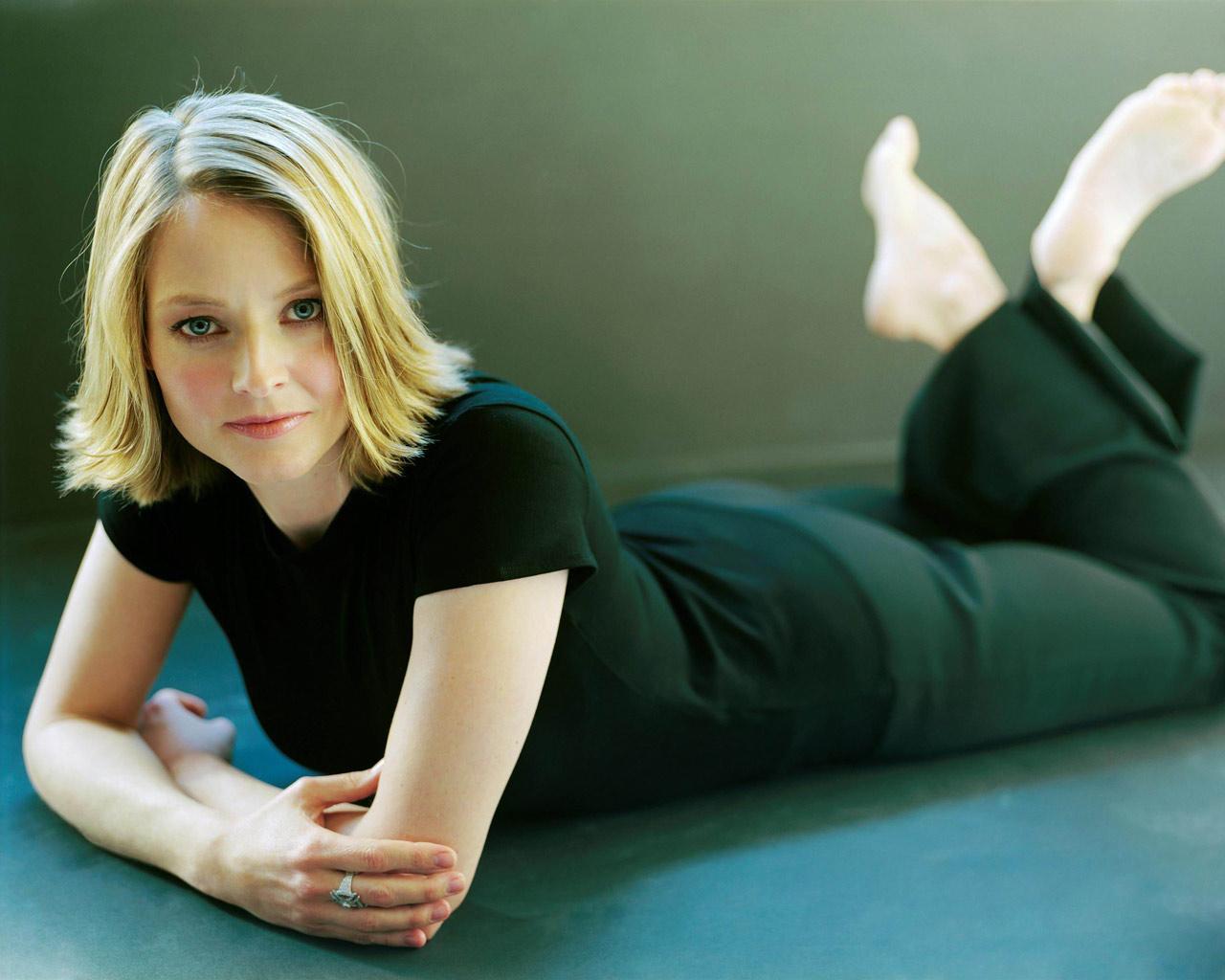 http://1.bp.blogspot.com/-yQaW3Hblkbo/T2oGFsiP4GI/AAAAAAAABno/YrLeta7nA4Q/s1600/Jodie_Foster,_Photoshoot.jpg
