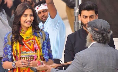 Sonam Kapoor on the sets of Khoobsurat