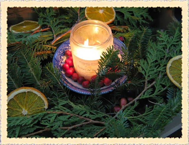 http://nantucketdaffodil.blogspot.com/2013/11/a-holiday-centerpiece_24.html
