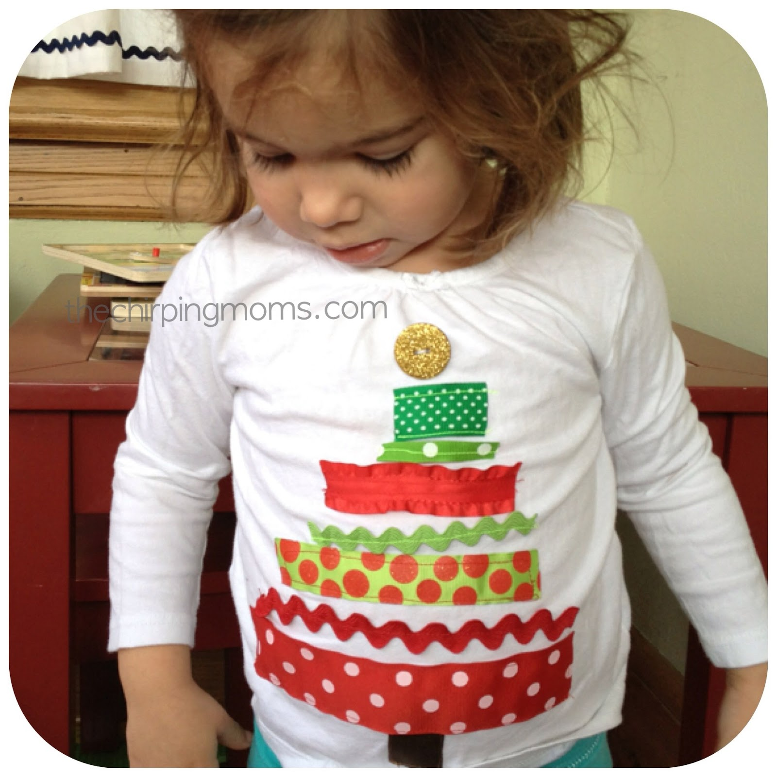 two simple ways to make christmas shirts the chirping moms