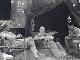 Winston Churchill in visita sul fronte della Linea Gotica sul fronte del Metauro