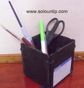 http://www.solountip.com/2012/07/portalapices-con-material-reciclado.html