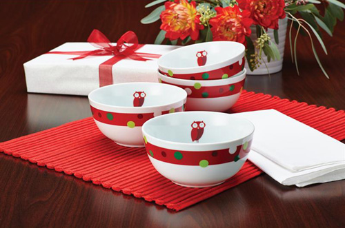 Rachael Ray Hootu0027s Decorated Tree  is the second cute dinnerware set that features owl on decorated christmas tree and a cheery red band with a green ... & My Owl Barn: Rachael Ray: 3 Hoot Dinnerware Sets