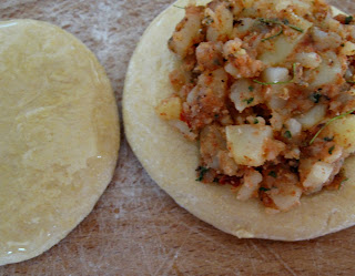 http://cupcakeluvs.blogspot.dk/2013/07/corn-flour-pratha-majs-mel-pratha.html