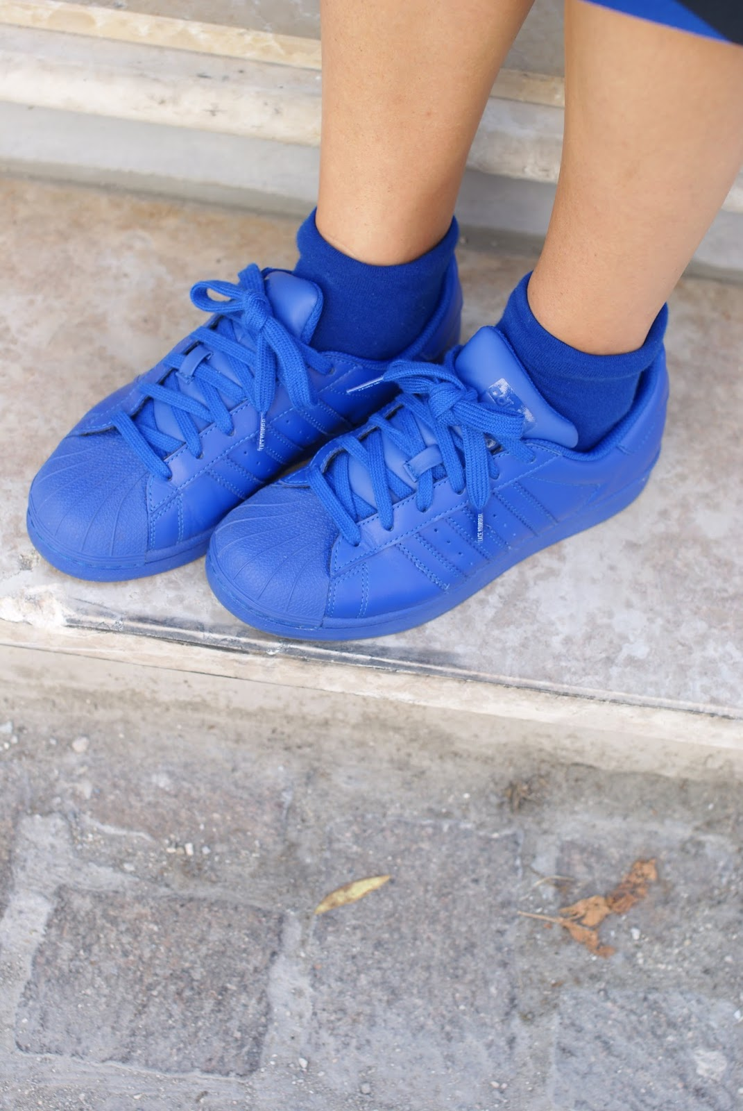 adidas supercolor sneakers in blue on Fashion and Cookies fashion blog