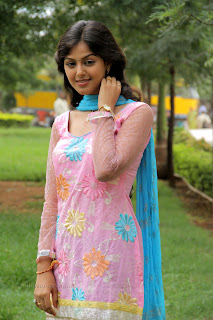 Monal Gajjar latest gorgeous Pictures 005.jpg