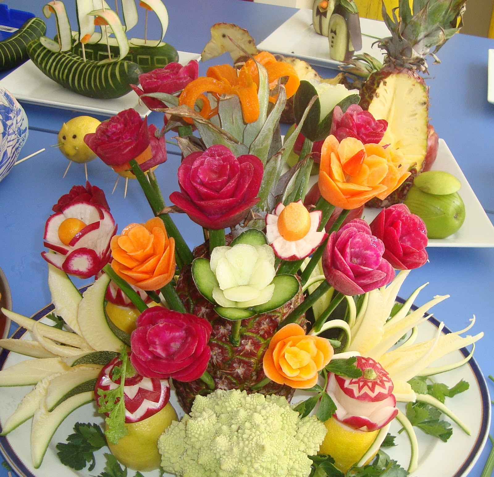 Decoraciones para eventos y tallados de frutas y vegetales for Decoracion de ensaladas