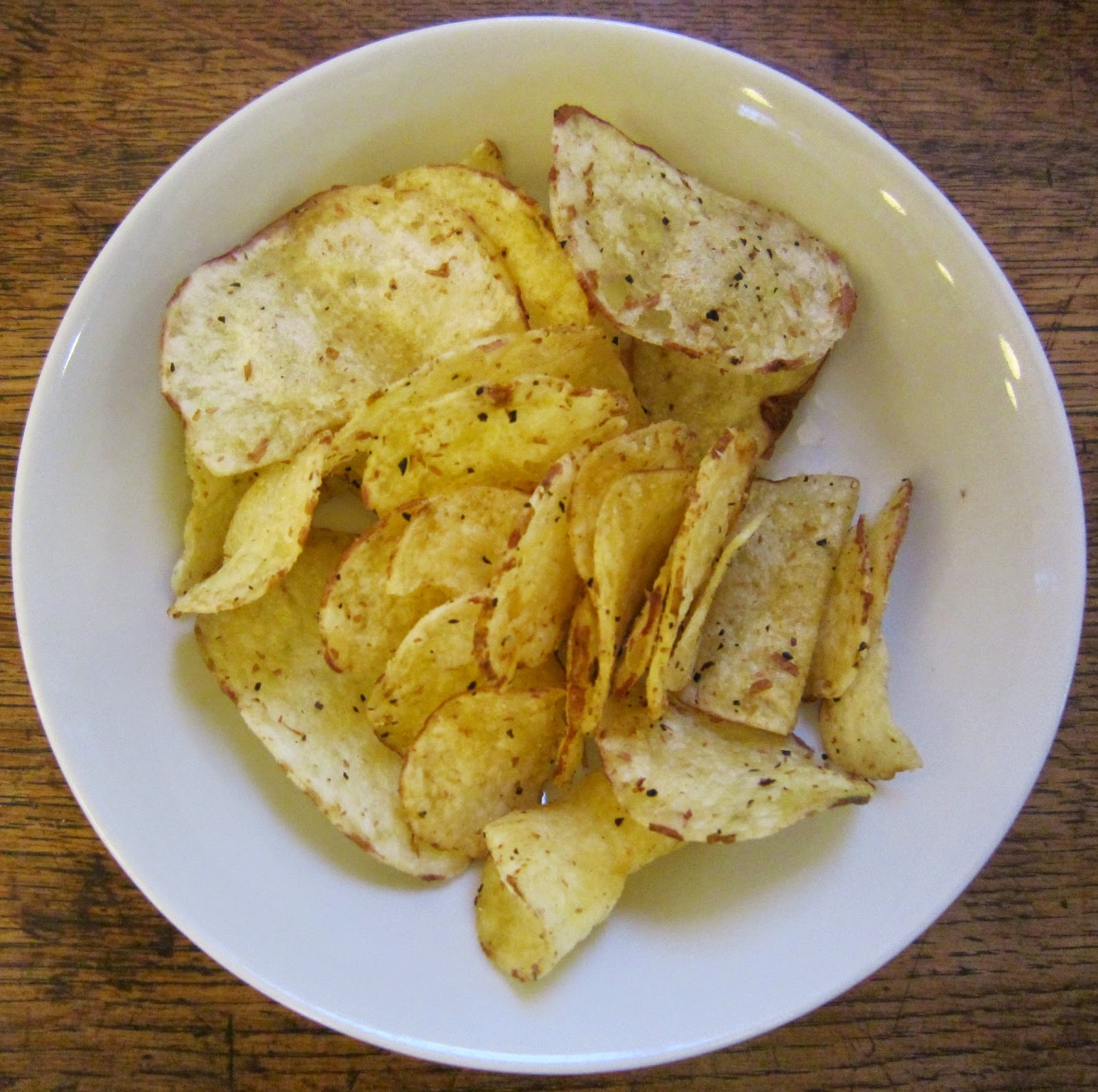 Cheeseburger Crisps & Other Stories: Kettle Chips Lime & Black Pepper