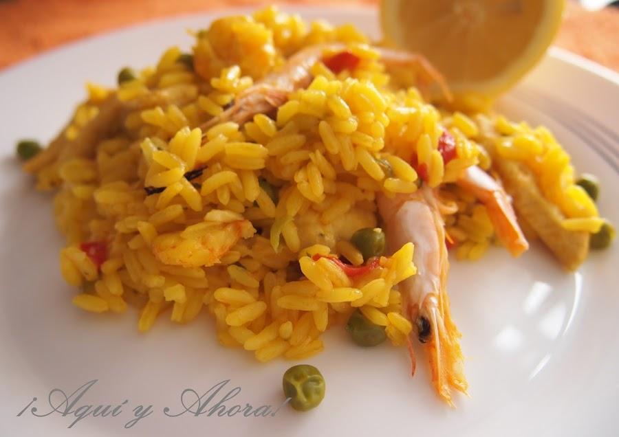 La de recetas que se pueden hacer con arroz: hoy te damos la de pollo y gambas