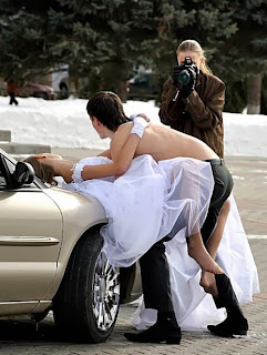http://www.teamjimmyjoe.com/2013/01/funny-wedding-pictures-13-more-wedding-photo-blues/