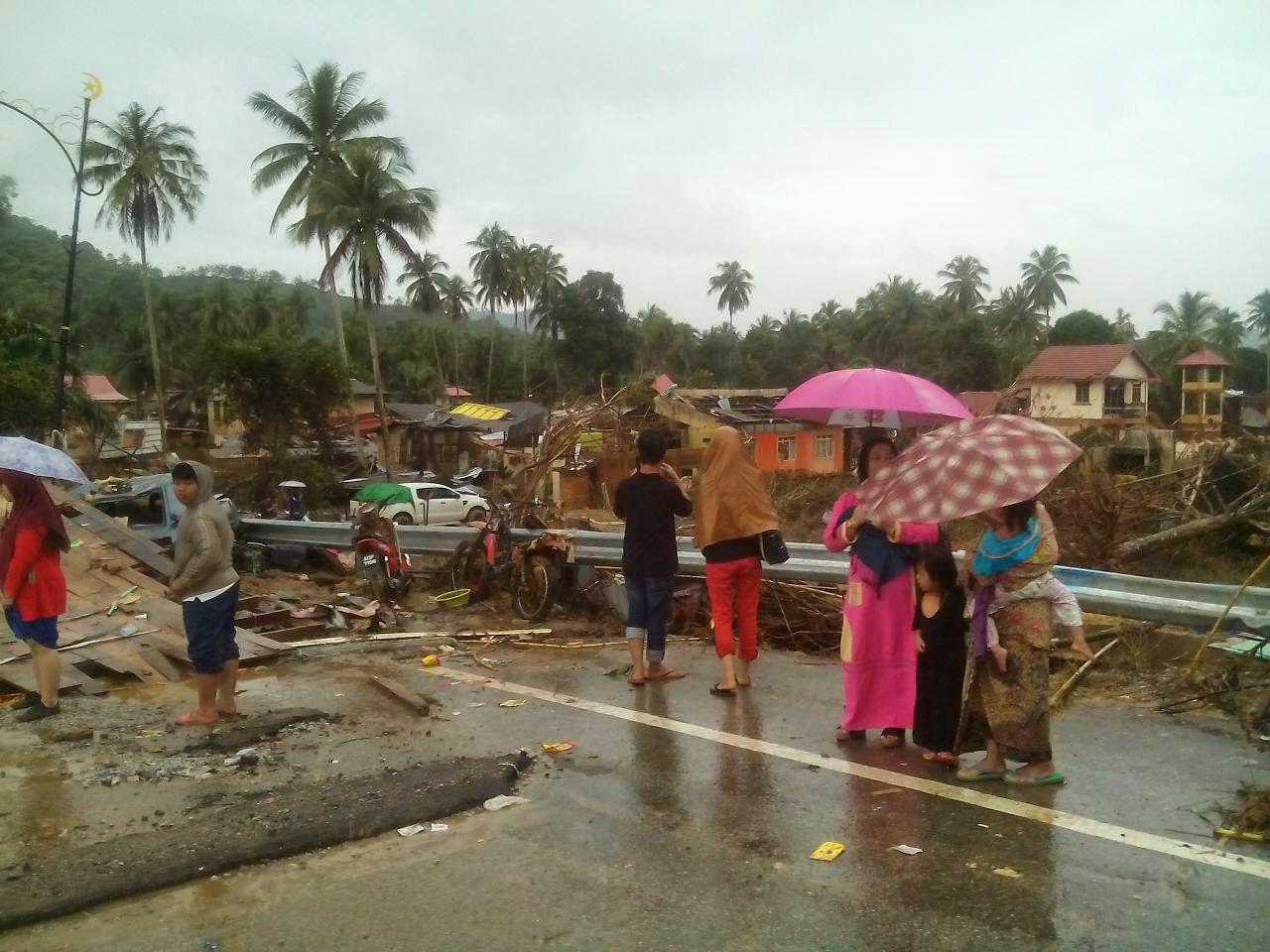 Kemusnahan di Kelantan akibat banjir