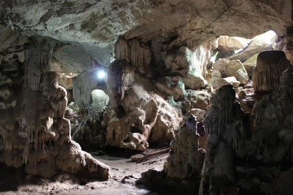 Hang Dơi - kỳ bí cao nguyên Mộc Châu.