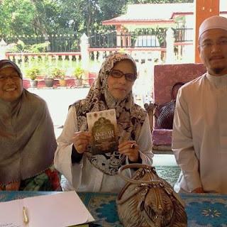 Pencuri biadab kencing al Quran
