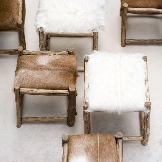 bancos de madeira rústica