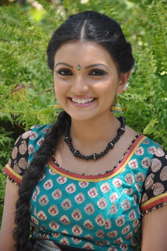 Saranya Mohan - Saranya Mohan Latest Photo Gallery