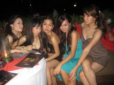 http://1.bp.blogspot.com/-ySJzNTYkGVo/TWKe76btjdI/AAAAAAAAARo/7mVW_3EfHyo/s1600/tante+girang+hot+kuta+bali+2.jpg