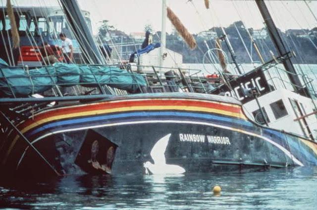 , el Rainbow Warrior sigue navegando para proteger el medio ambiente