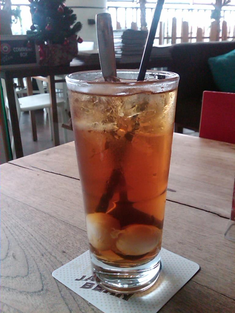 Iced Lychee Tea ---
