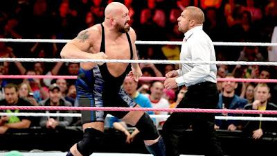 بيغ شو يشعل عرض الرو ويتوّج أبطالا جدد للزوجي في WWE