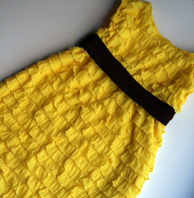 http://www.mesewcrazy.com/2011/01/20-minute-ruffle-dress.html
