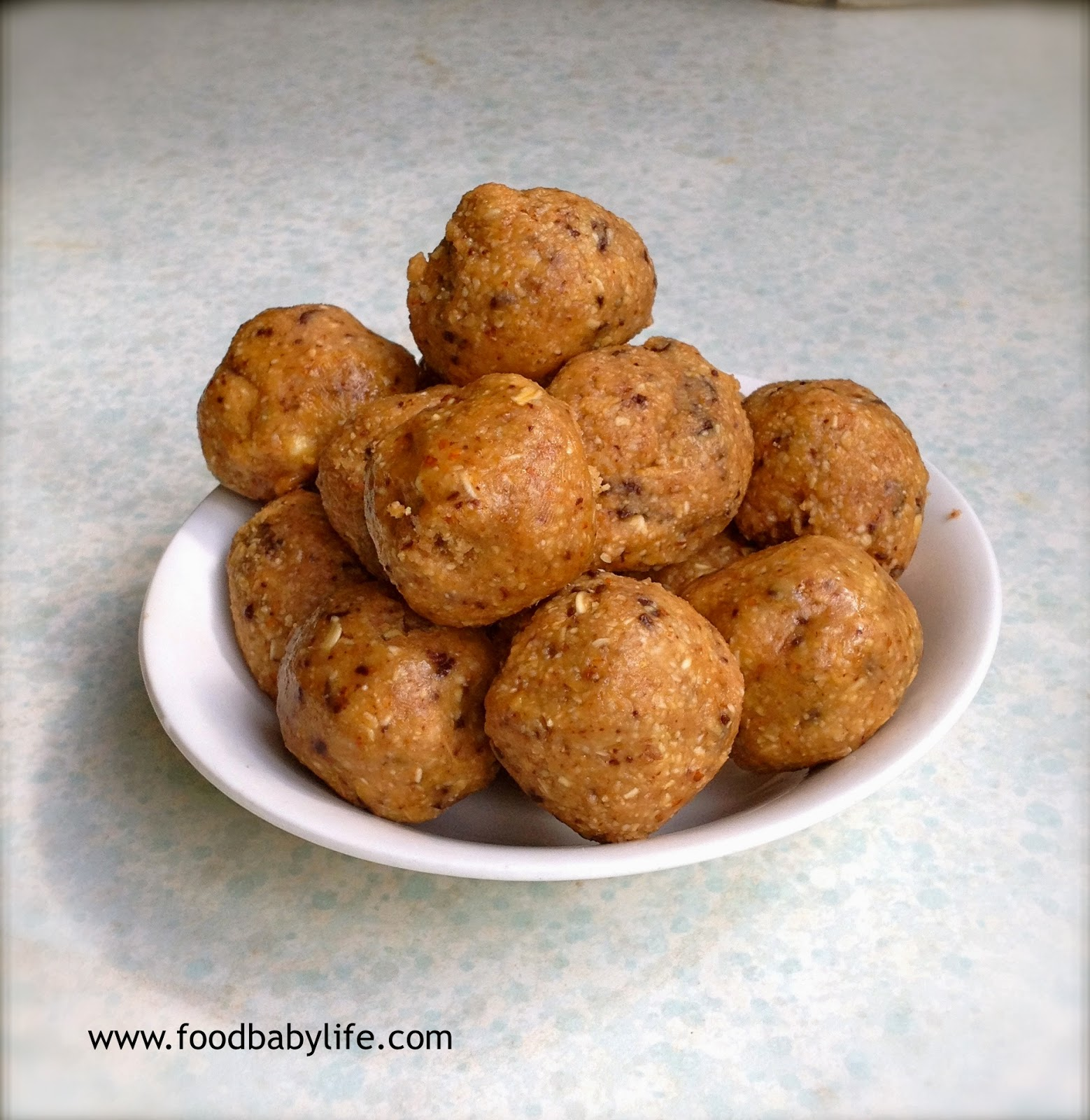 Peanut Butter Chocolate Chip Cookie Dough Balls © www.foodbabylife.com