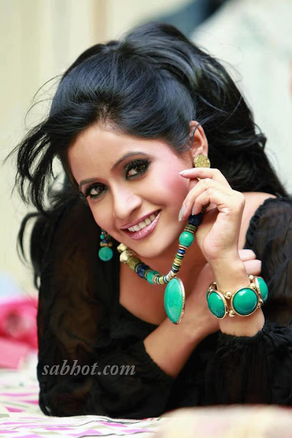 Hot Miss pooja unseen pictures photoshoot