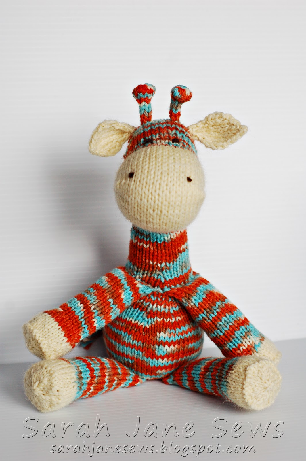 Knitting Pattern Giraffe : Sarah Jane Sews: Gerald the Giraffe